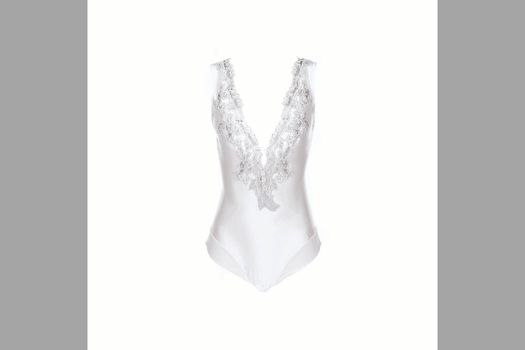 Bridebook.co.uk la perla silk and lace lingerie