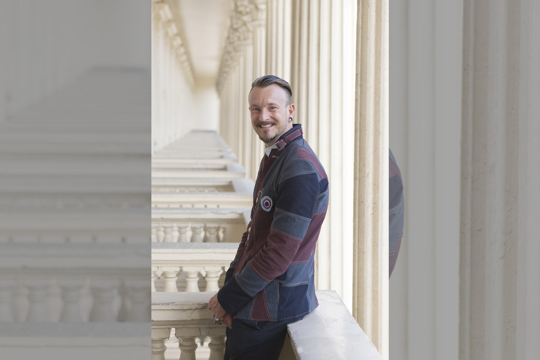 bridebook.co.uk - simon lycett portrait
