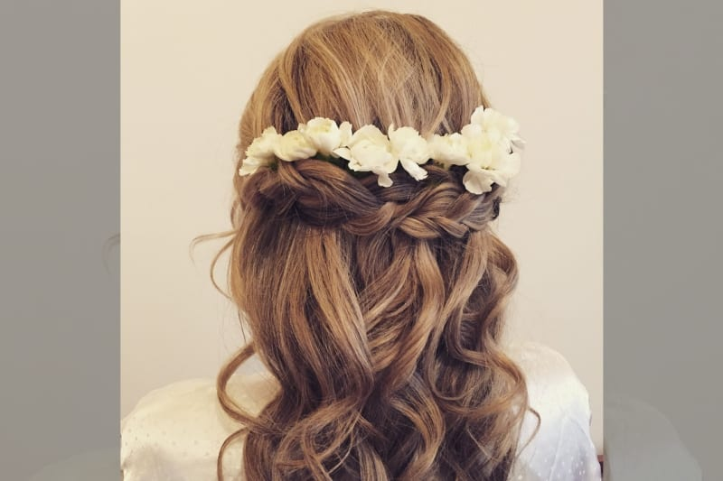 bridebook.co.uk-rose magnall half up floral do