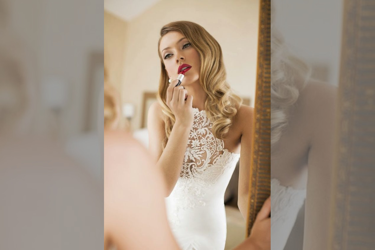 bridebook.co.uk bride in hollywood glamour style
