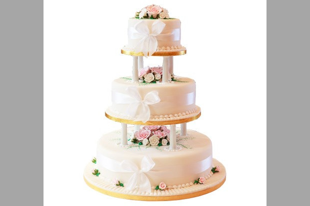 Bridebook.co.uk- three layer cake wrapped with ribbon