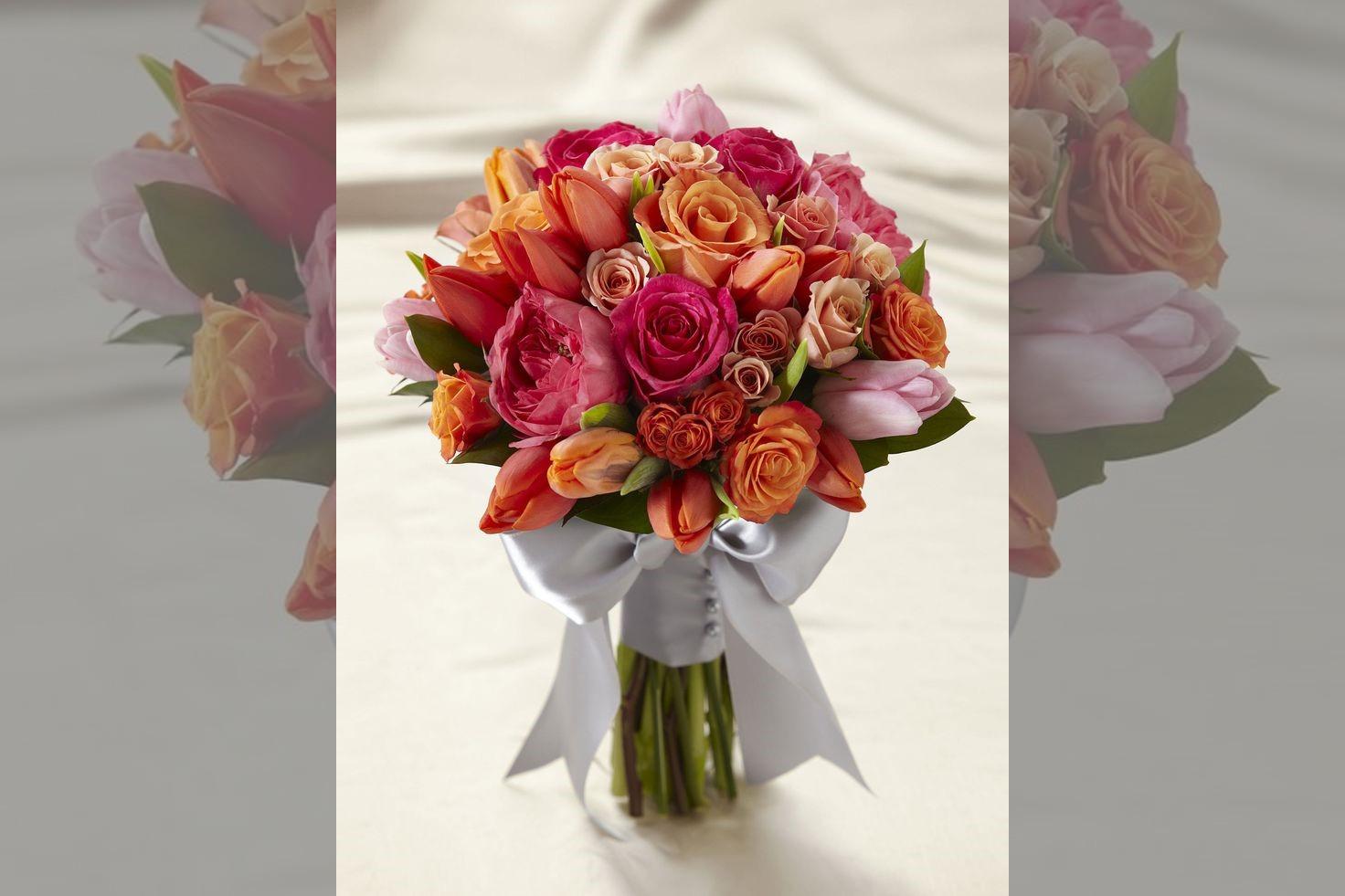 Bridebook.co.uk- hand tied wedding bouquet