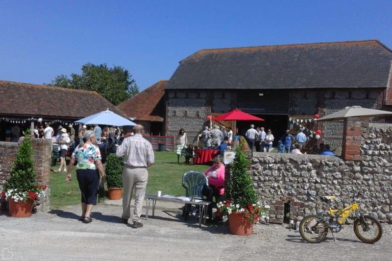 peeling manor barns wedding guests outside