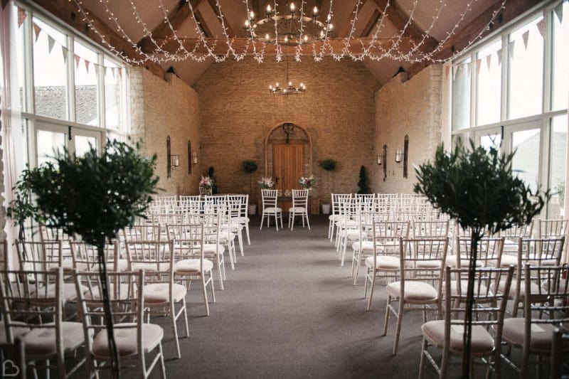 stratton court barn a barn wedding venue in the uk