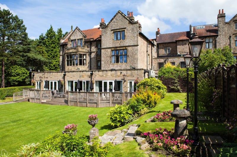 the maynard hotel hope valey on a sunny day