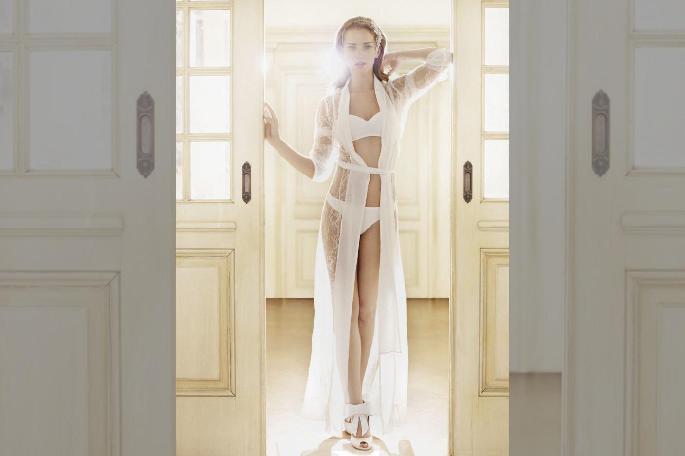 Bridebook.co.uk - lingerie la perla robe