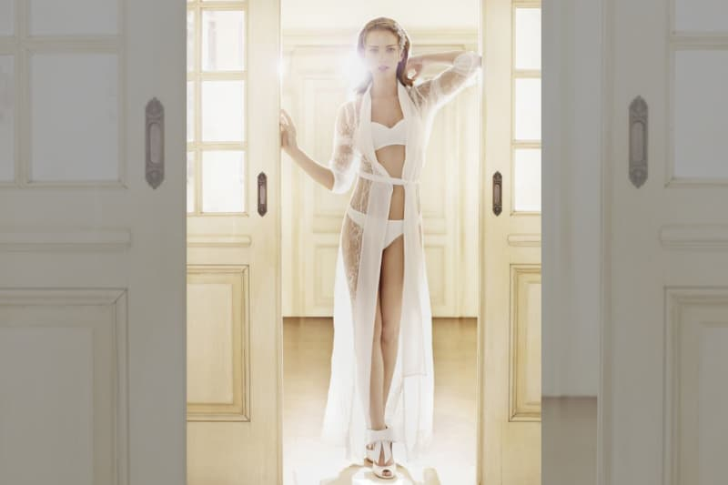 Bridebook.co.uk - lingerie la perla robe