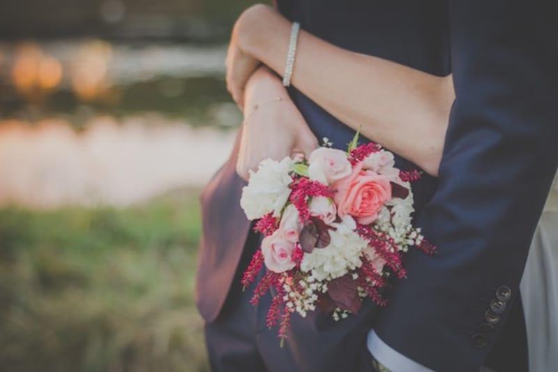 couple small wedding