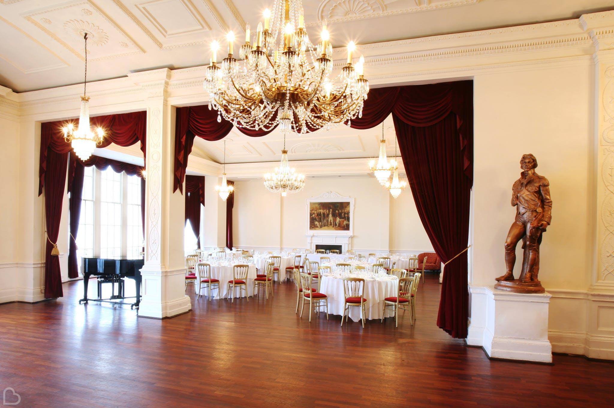 trafalgar tavern looking ready for a wedding lunch