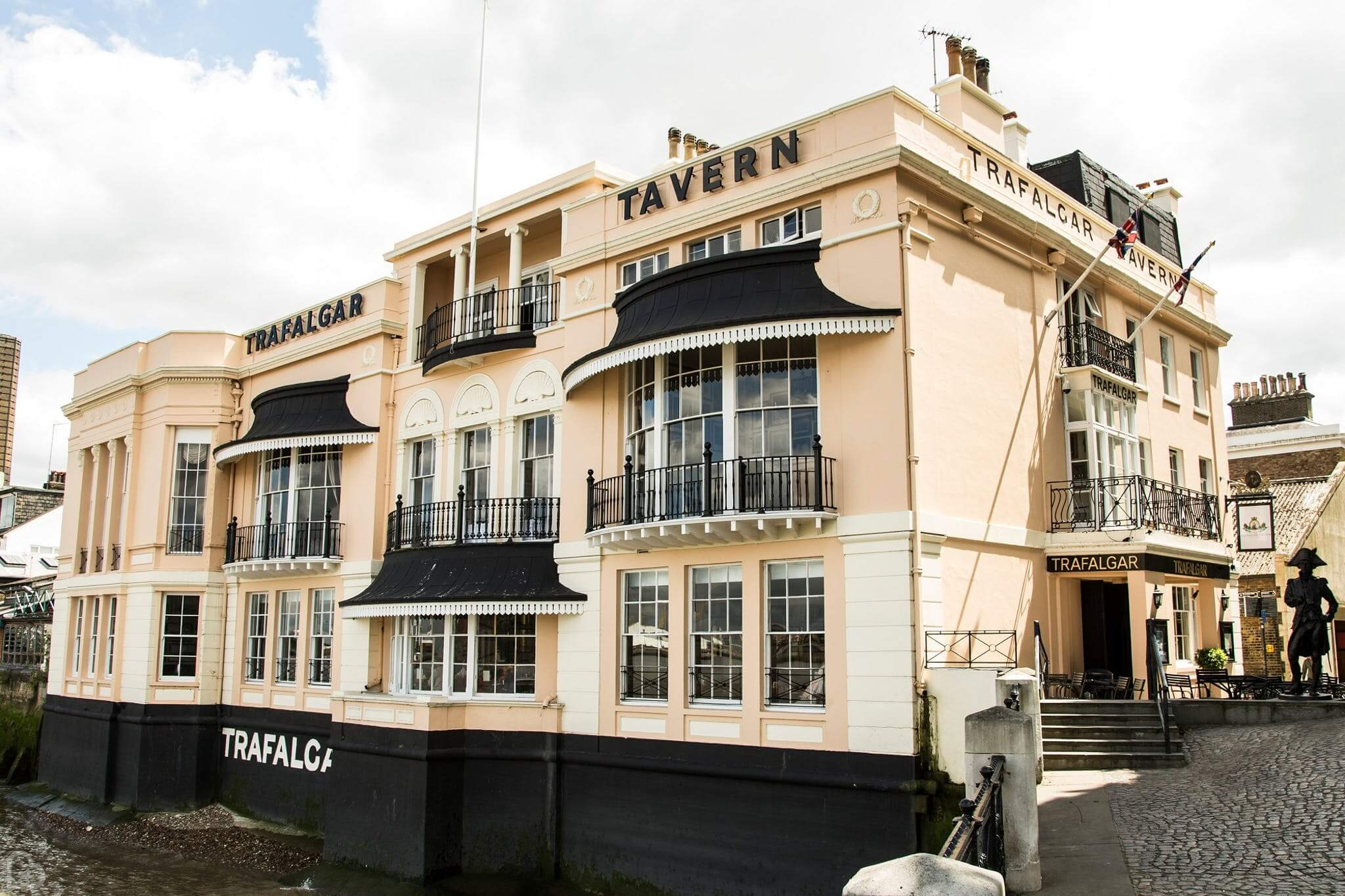 trafalgar tavern seen from the outside