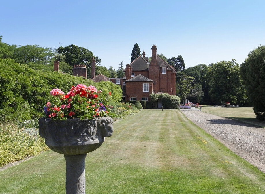 The Stubbings Sstate viewed through the entrance lawn.