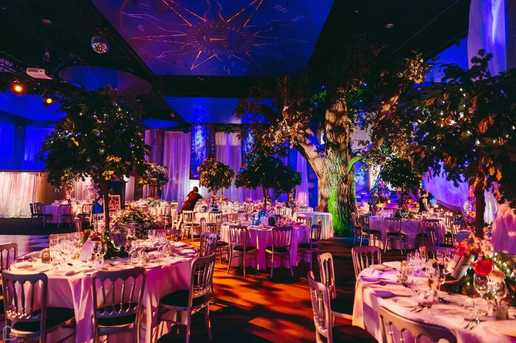 fairy tale style wedding dinner at Shakespeare's globe.