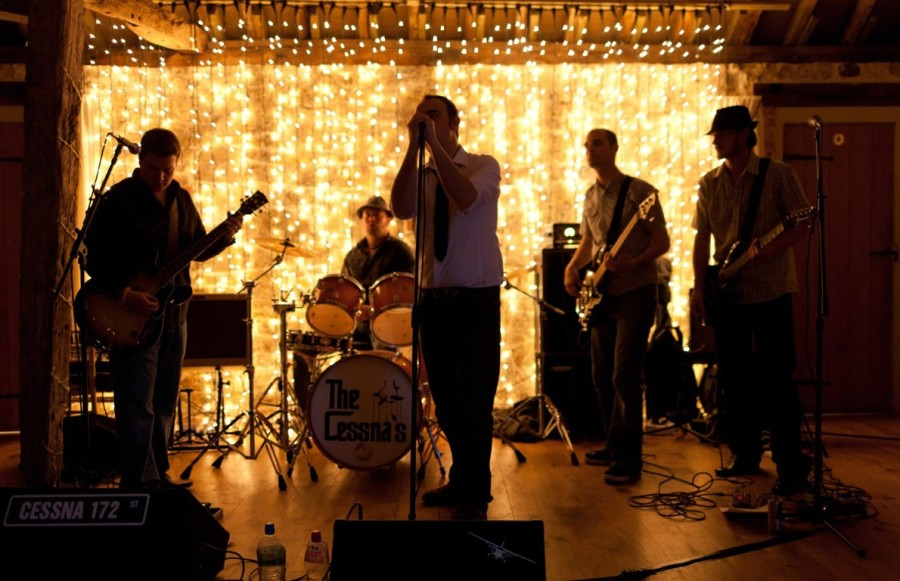How To Choose Between A Band And A Dj Wedding Advice