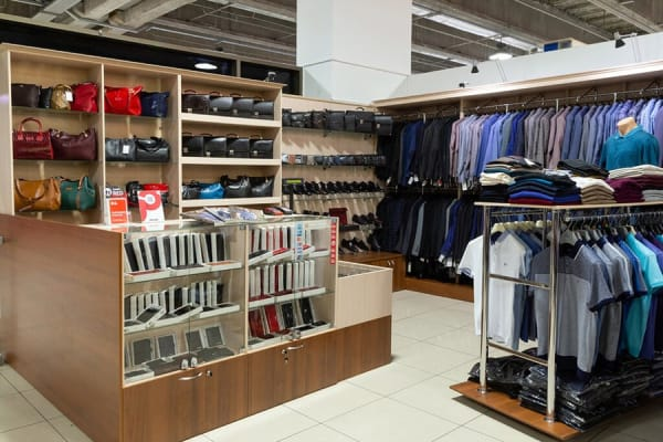 Торговая мебель для магазинов одежды