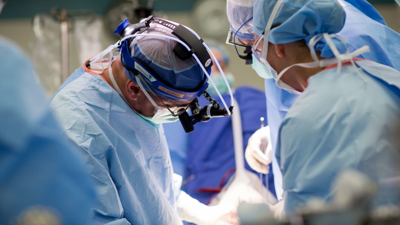 Robotic approach to mitral valve repair: Mayo Clinic experience