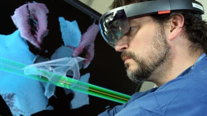 Head-mounted Displays Ease Pelvic Operations