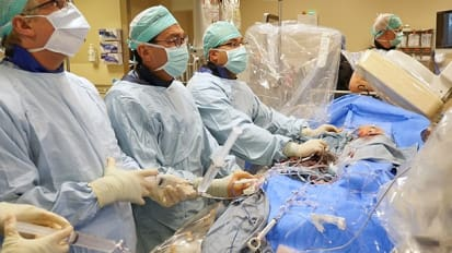 UW Cardiac Team First in World to Perform Novel Heart-Valve Procedure