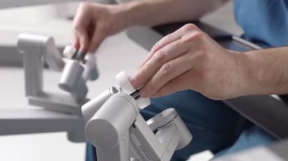 California's first da Vinci SP robotic surgery system
