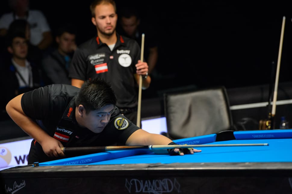 Mario HE (am Stoss) und Albin OUSCHAN (im Hintergrund) haben beim 9er Ball Euro Tour Event in Leende (Holland) ihren nächsten internationalen Auftritt