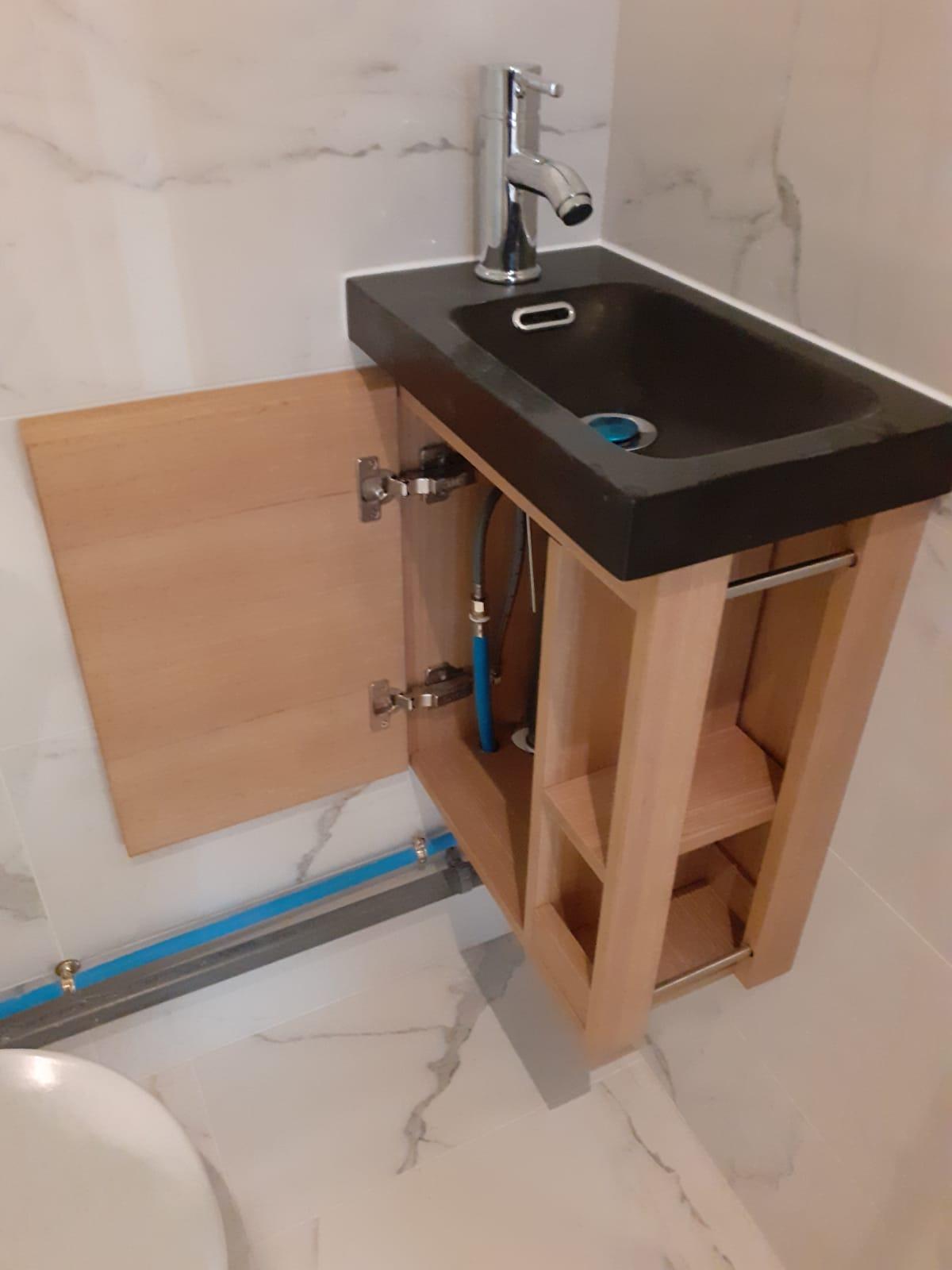 Salle de bain - petit lavabo main