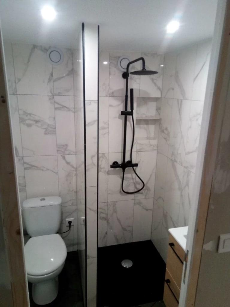 Réalisation travaux BTM-PRO Installation d'une douche et d'une wc
