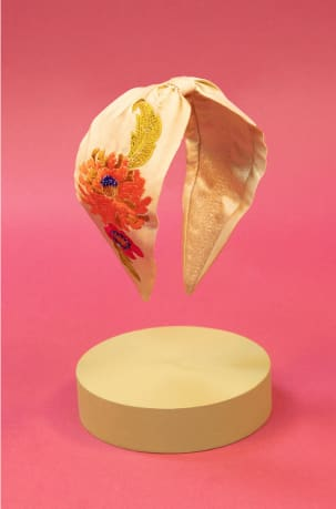 powder-embroidered-headband-retro-meadow-cream