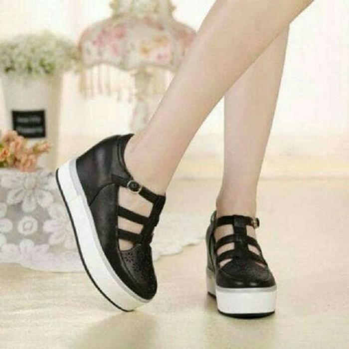 jual Sepatu Wanita Casual SDS200