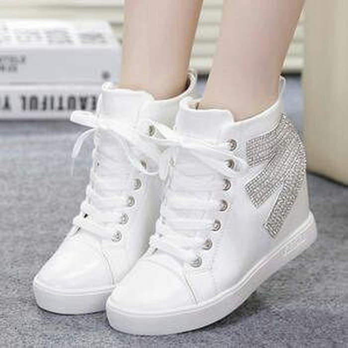 jual Boots E Pasir Putih