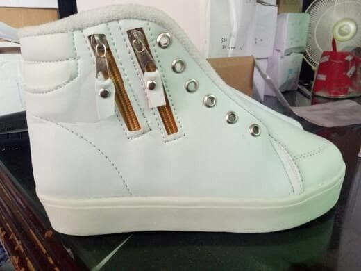 jual Sepatu Boots Wanita Resleting Dua SBO107