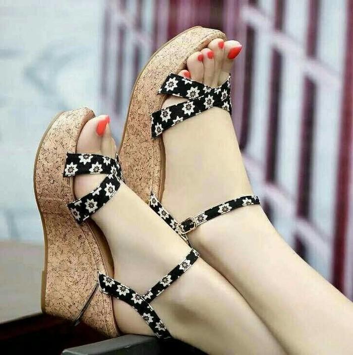 jual Sandal Wedges Wanita Bunga SDW233