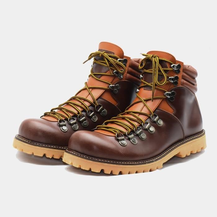 jual Sepatu Gunung boots pria touring bahan KULIT premium [ WATERPROOF ] - 38