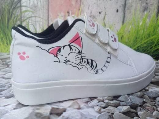 jual Sepatu Wanita Kets Casual Motif Kucing SDS202