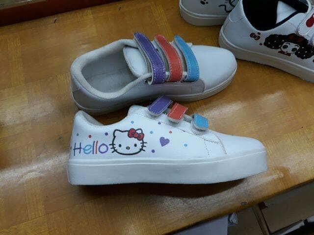 jual Sepatu Wanita Kets Casual Hello Kitty Putih SDS210