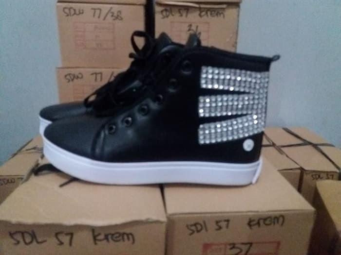 jual Sepatu Boots Wanita Model Korea SBO97
