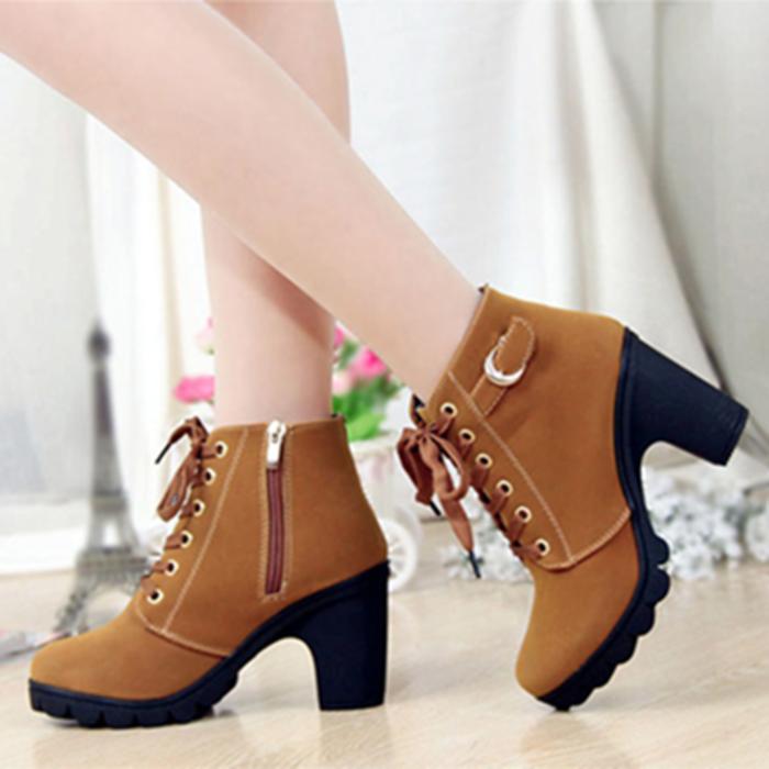 jual Sepatu Boots Heels Wanita Tan & Hitam SBO99 - Tan, 40
