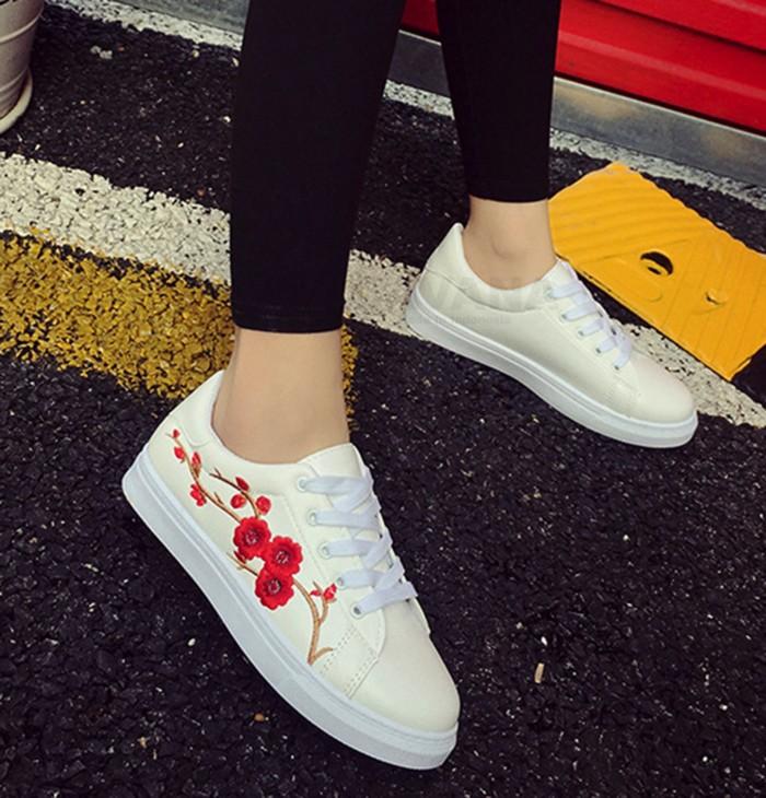 jual Sepatu Kets Wanita Sneakers Bunga Bordir SDS214 - Putih, 37