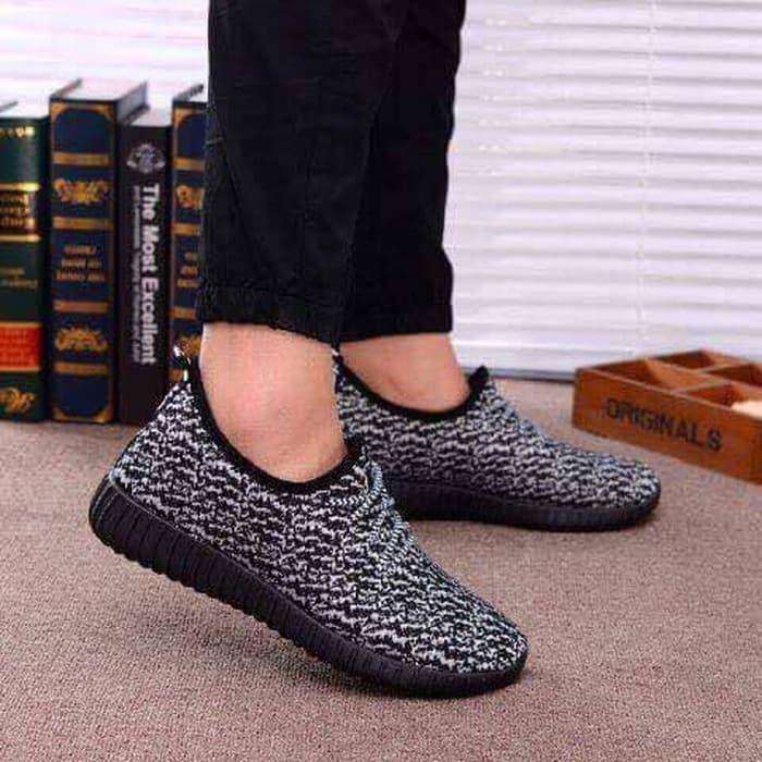 jual Sepatu Wanita Sneakers Hitam SDS186