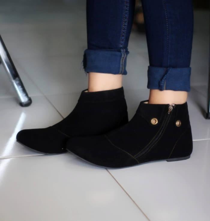 jual Sepatu Boot Wanita / Boots Korea SBO90