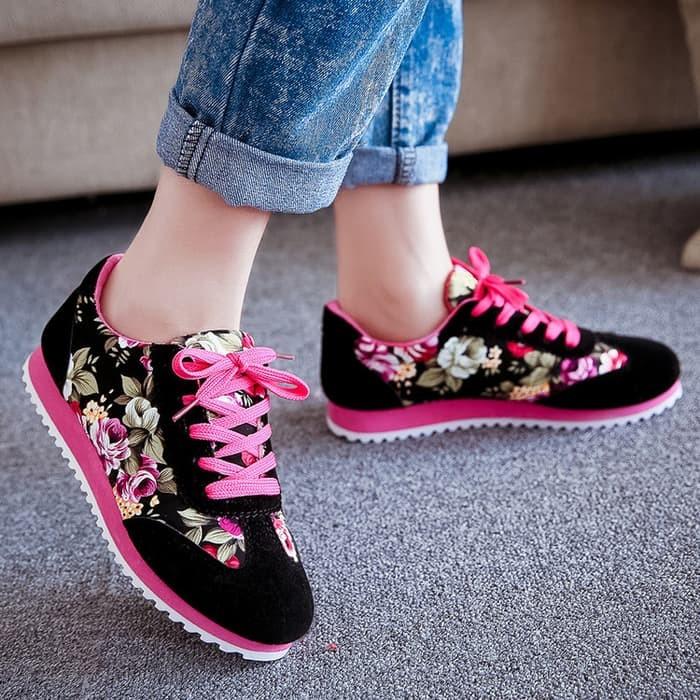 jual Sepatu Kets Wanita Casual Motif Bunga SDS101