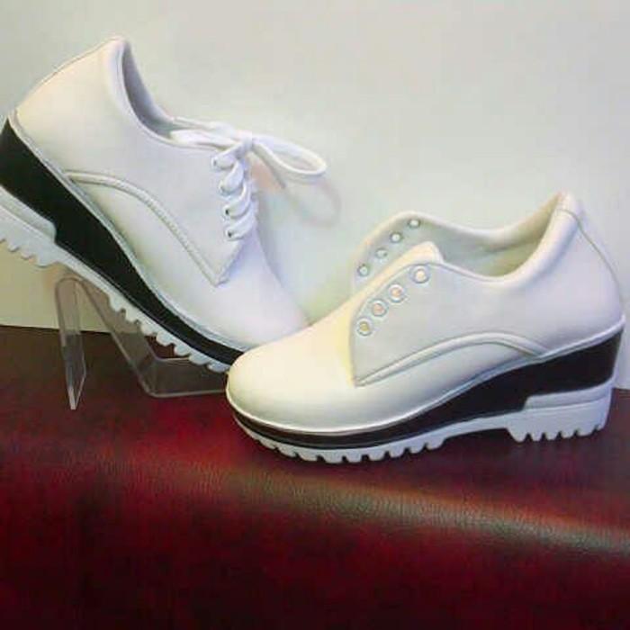 jual Sepatu Wanita Boots Wedges SBO319