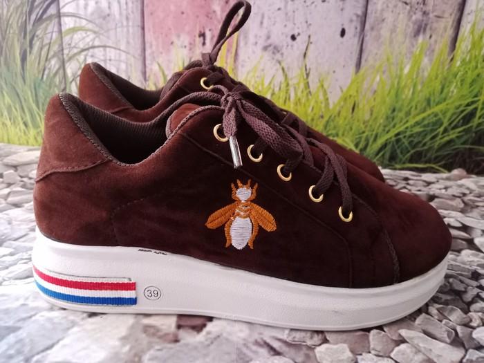 jual Sepatu Wanita Sneaker Lebah SDS246 Coklat