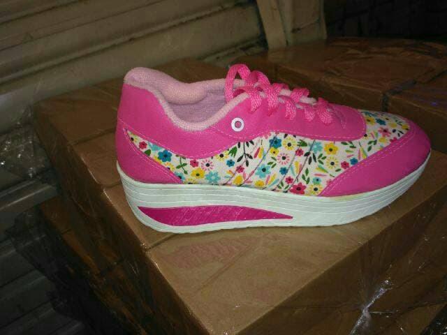 jual Sepatu Wanita Kest Casual Motif Bunga SDS166