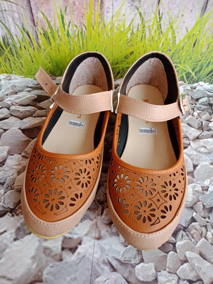 jual Sepatu Wanita Flat Shoes Laser SDB104 Coklat