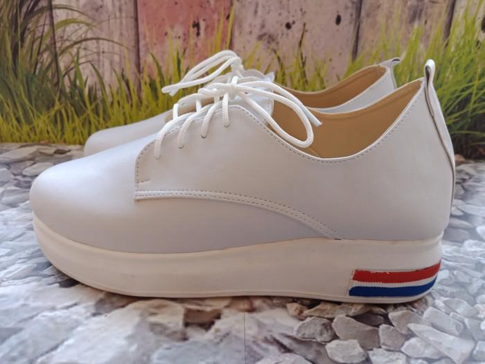 jual Sepatu Wanita Kets Casual Kenya SDS258 Putih
