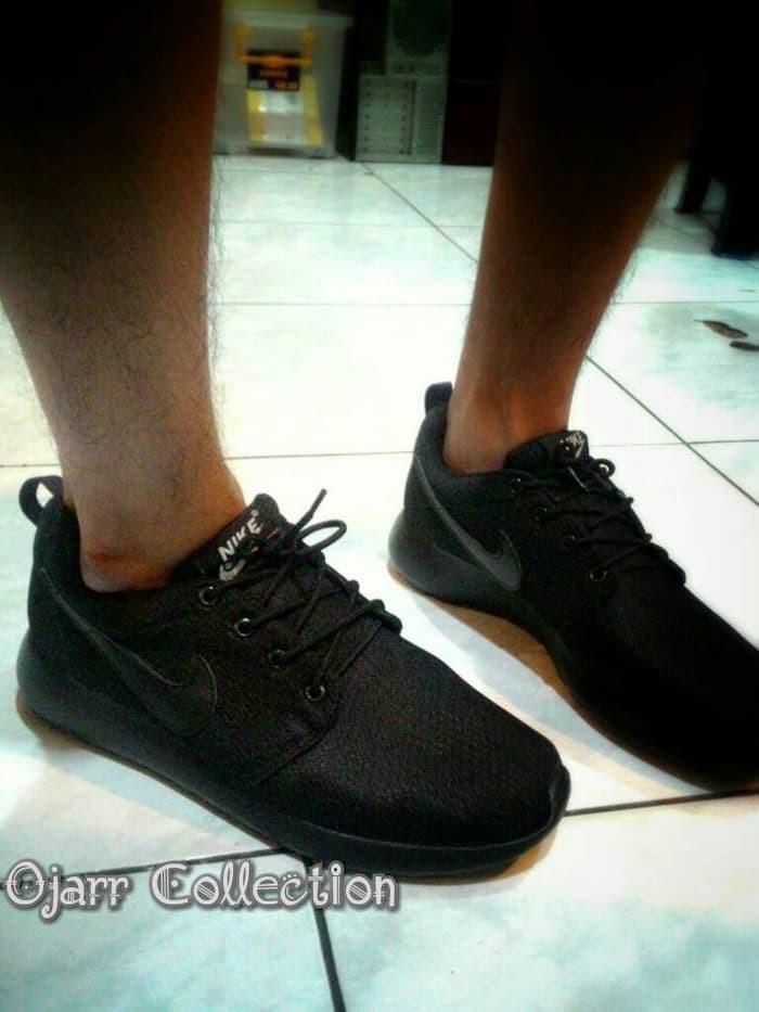 jual Sepatu Casual Kets Sekolah Nike Rosherun Full Hitam Black Cewe Cowo