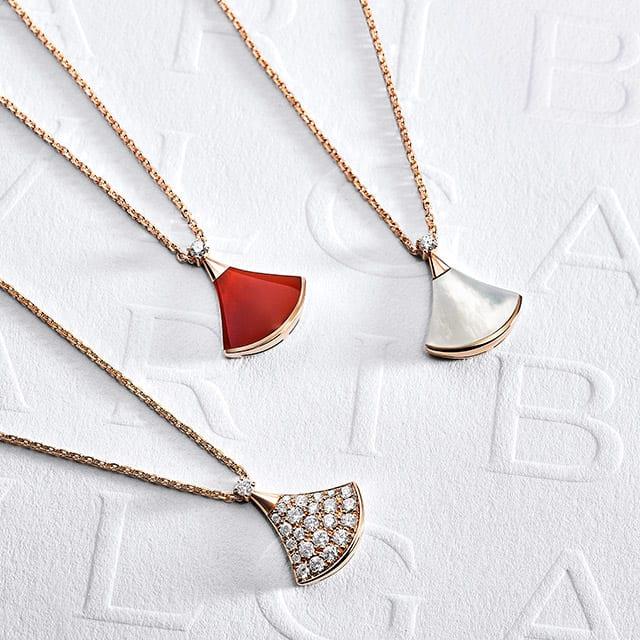 Divas' Dream necklaces. Creative shot.