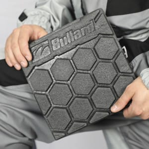 Suit kneepad callout