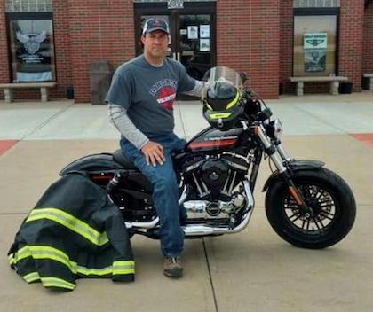 Bullard Donates for Firefighter Cancer Research