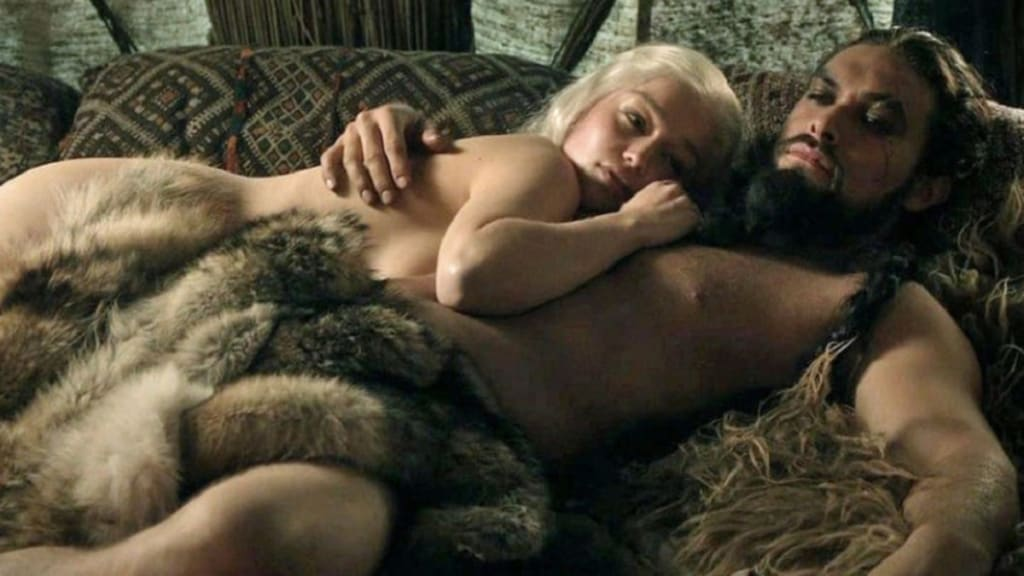 Game Of Thrones - Emilia Clark - Sevişme Sahneleri