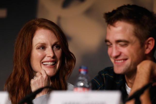 Robert Pattinson - Maps to the Stars - Sevişme Sahneleri